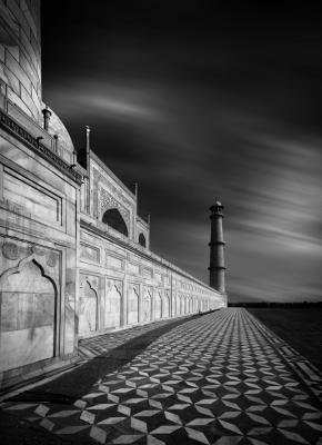 Glancing at Taj